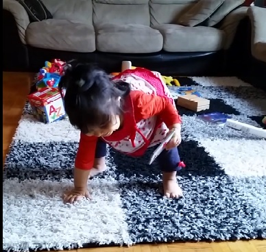 My zaRgaye trying to balance herself when she was learning to take her first steps. #melts